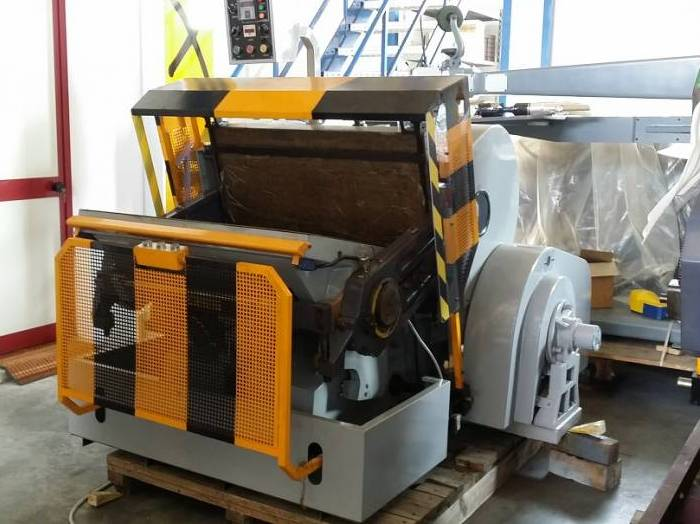Picture SELESTAMPA: New line of die cutting machine!!!